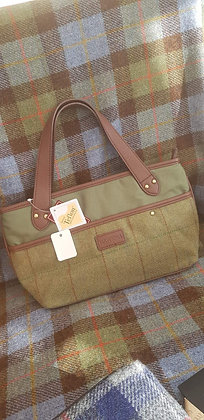 Hawkins traditional tweed handbag. Fully lined. Internal pockets. Zipped