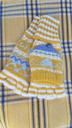Knitted mitten gloves, mustard, cream and greys