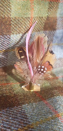 One-off feather brooch withnatural and pinkfeathers