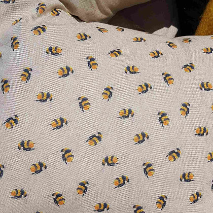 Busy beecushion with polyester inner