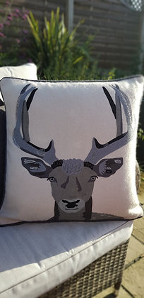 Extra large 100% wool, ice white cushion with an embroidered stag