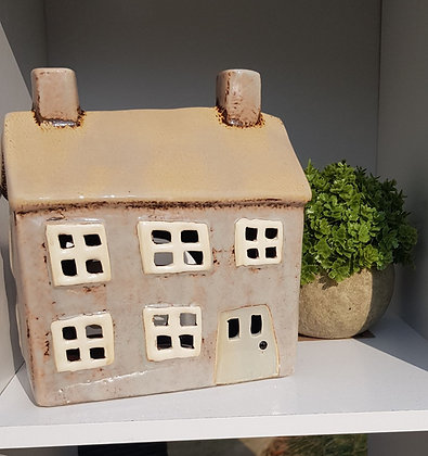 Large double fronted cottage tea light. Gorgeous beige with a natural door