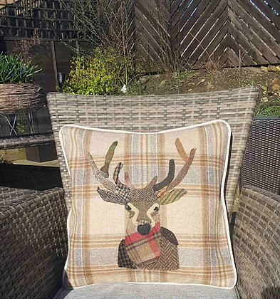 A one-off appliquéd stag on a 100% wool checkcushion - Ginger