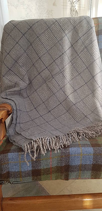 Grey and blue Prince of Wales check wool blendblanket