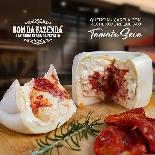 Queijo trufado/recheado com tomate seco Bom da Fazenda 700g