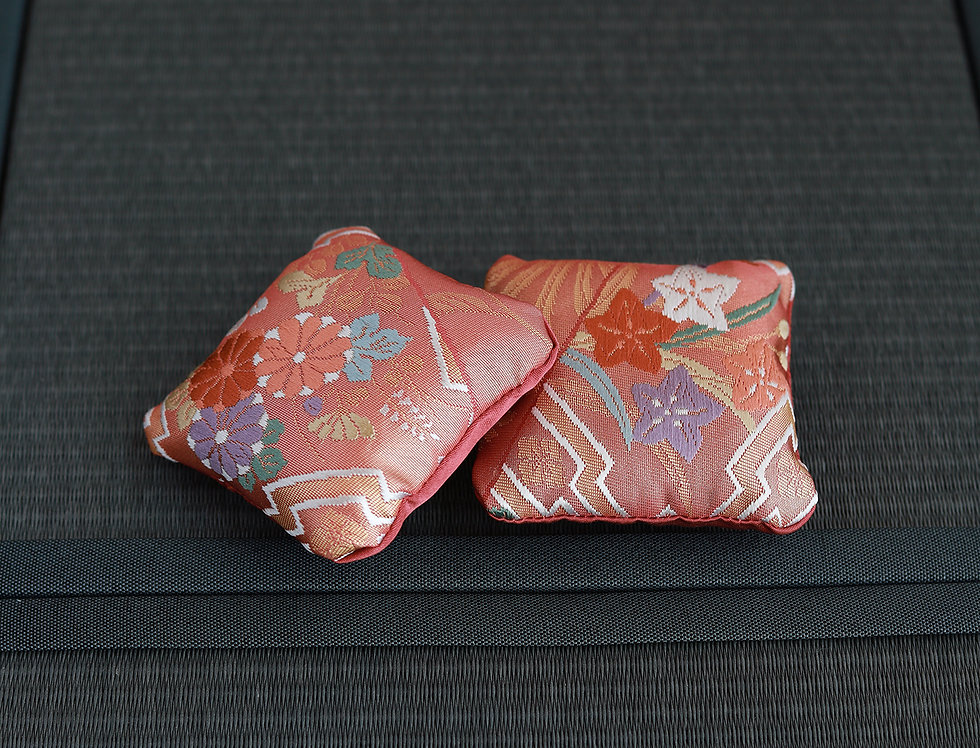 "Japanese series ""Cushion"" A 1/4 scale"