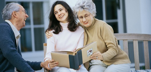 Real T Simplistic Gets to Know Seniors While Assisting them With a Senior Move