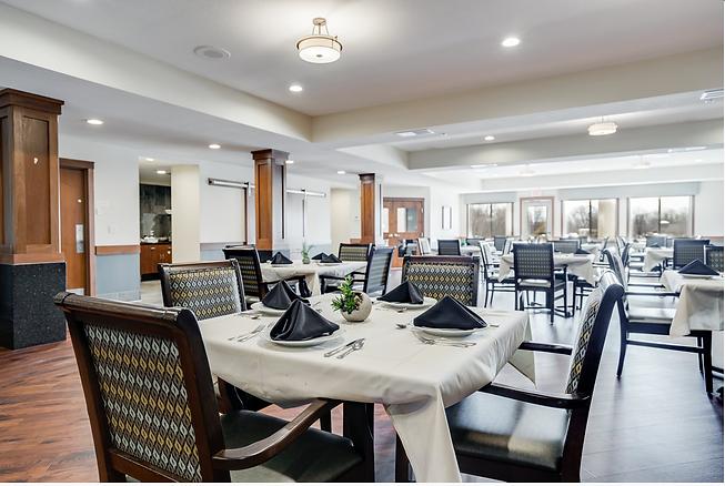 Dining Room at Arbor Glen Senior Living