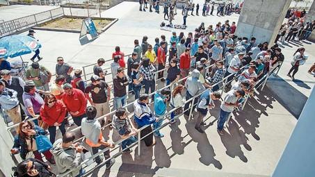 largas filas en el regional Los hinchas esperan horas por una de las entradas