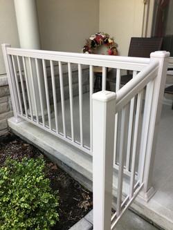 Simple White Aluminum Railing