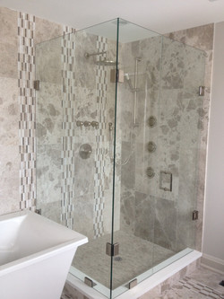 Custom Glass Shower With Hinge Doors