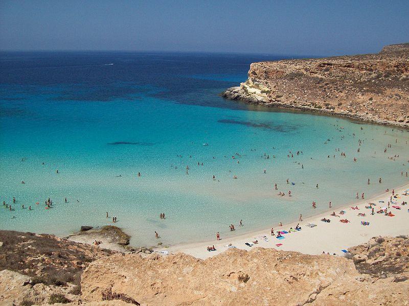 800px-Spiaggia_Isola_dei_Coniglio_Lamped