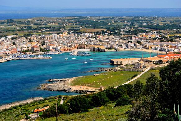 Favignana, Isole Egadi, Sicilia.jpg