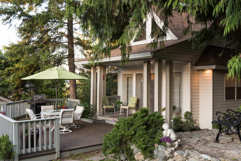 Wood's Edge Cottage