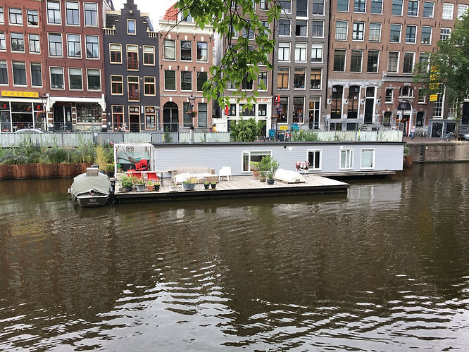 Home on the cana in Amsterdam