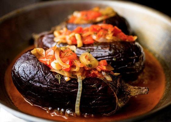 Imam / Aubergine farçie aux tomates oignons et fêta