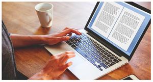 escrevendo romance no computador