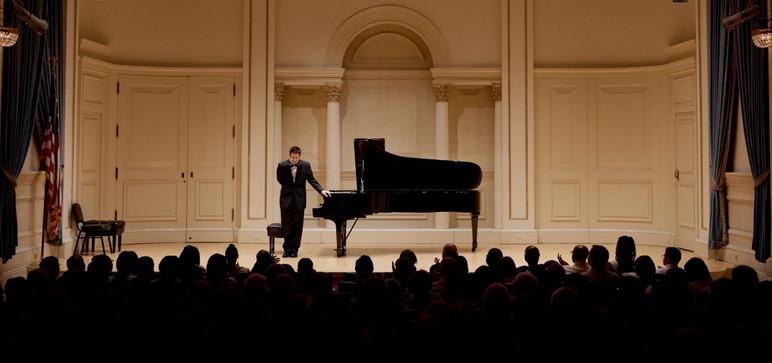 MichaelAngelucci-Carnegie001