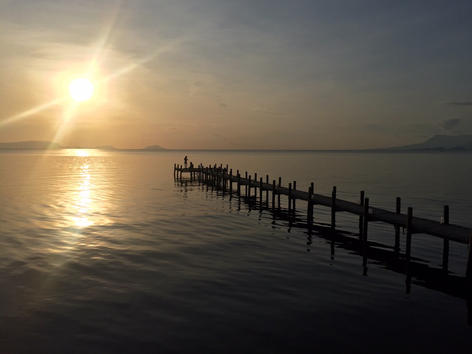 Kep waterfont at sunset.JPG