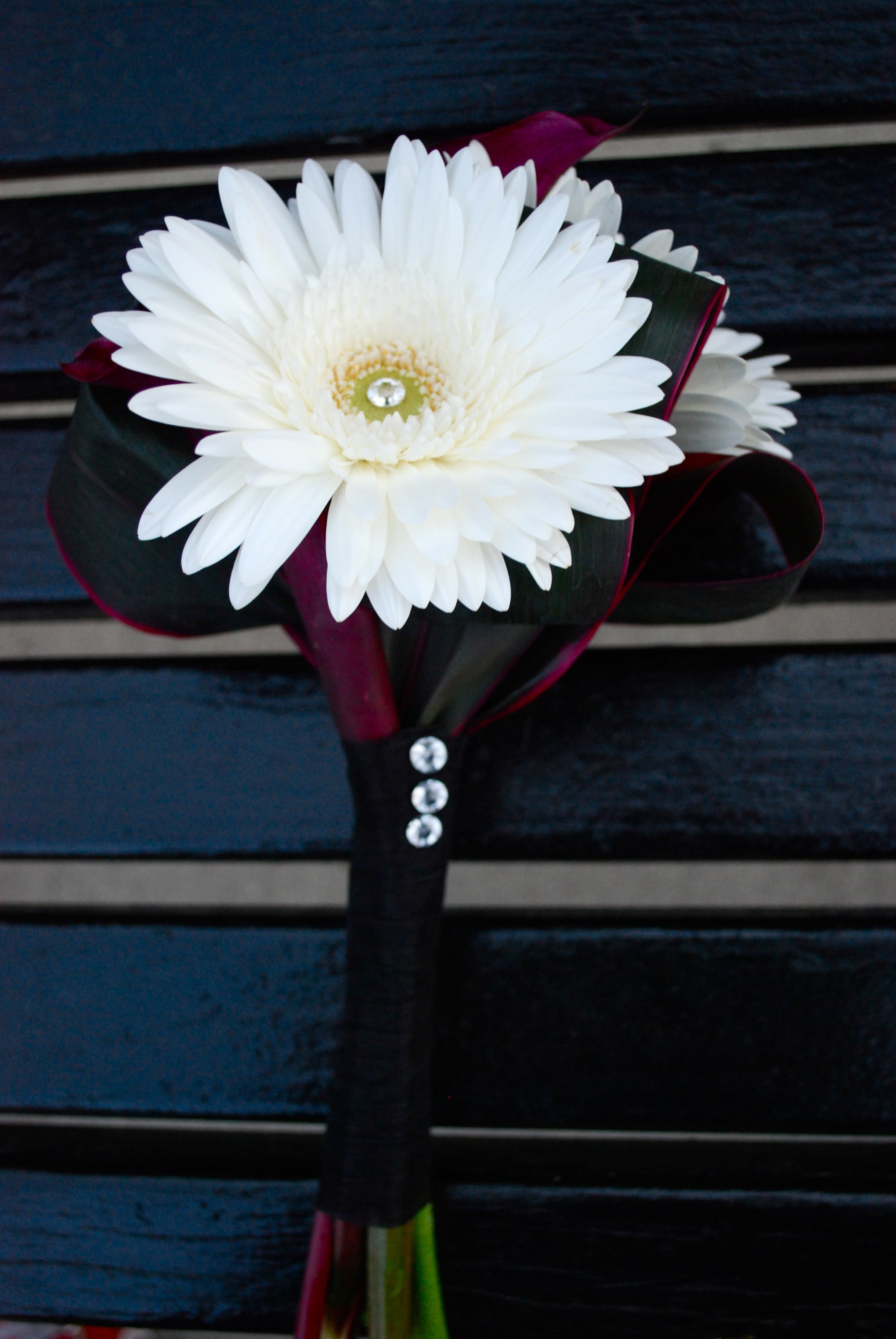 White & Black Mini Bouquet