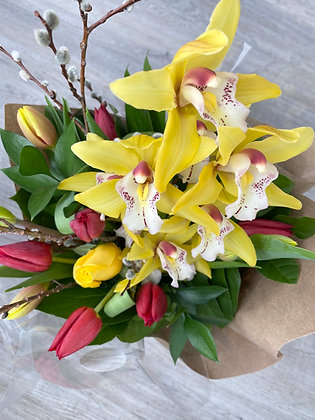 VIVID | BOLD COLOR Seasonal Hand Tied Bouquets: Designer's Choice