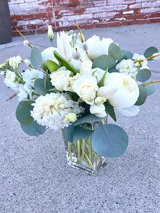 WHITE | TIMELESS Seasonal Vase Arrangements: Designer's Choice