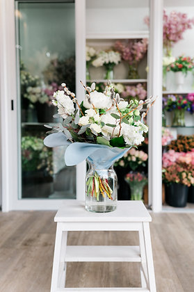 WHITE | TIMELESS Seasonal Hand Tied Bouquets: Designer's Choice