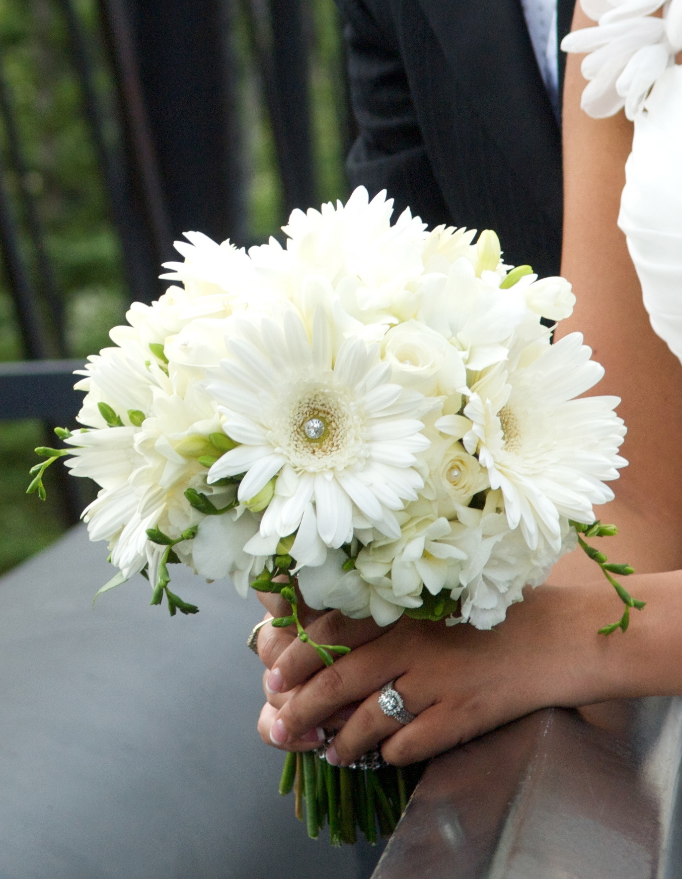 White Diamond Gerbera Bouquet