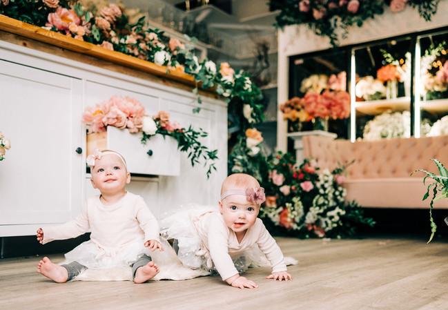 Twins_CreativeEdgeFlowers_MiniSession-20