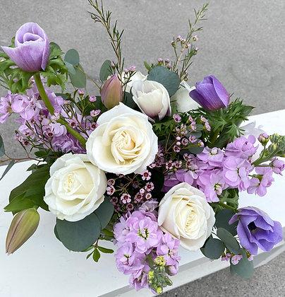 SOFT HOLIDAY | BESPOKE   Creative Edge Flowers Signature Vase Arrangements