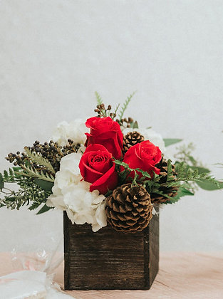 Rustic Holiday Centrepieces- Choose your own size