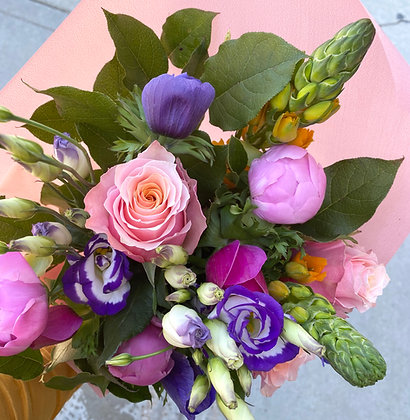 COLORFUL | JOYOUS Seasonal Hand Tied Bouquets: Designer's Choice