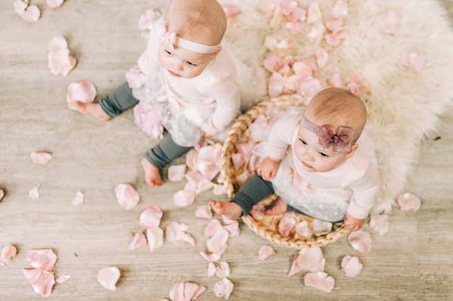 Twins_CreativeEdgeFlowers_MiniSession-41