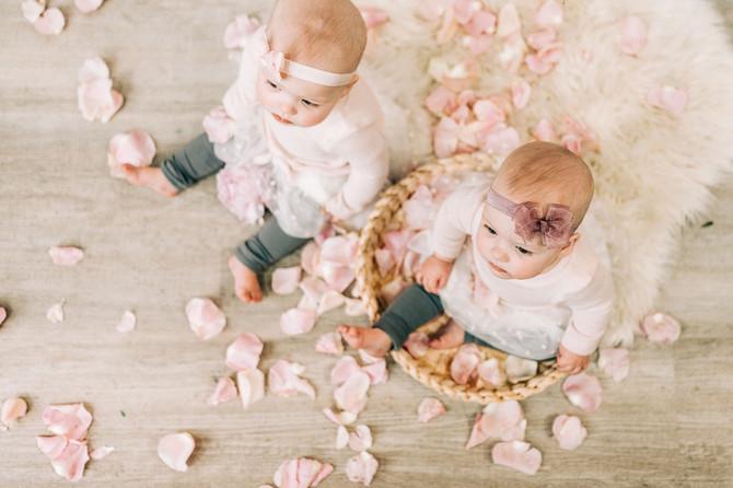 Twins_CreativeEdgeFlowers_MiniSession-41
