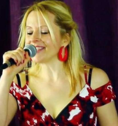 Laura Bataceli - Jazz Singer