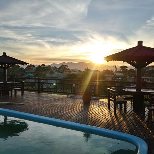 piscina com bela vista