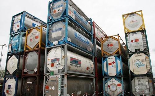 Tankcontainer gebraucht.jpg