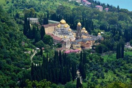 На автомобиле в Абхазию. Новоафонский монастырь