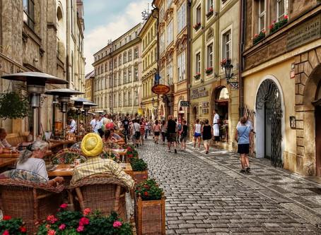 Чехия - 12 туров от 43,7 до 50,2 тысяч за двоих на неделю в Прагу.
