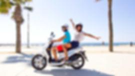 Учимся ездить на скутере. Аренда скутера в Таиланде. Аренда скутера в Индии