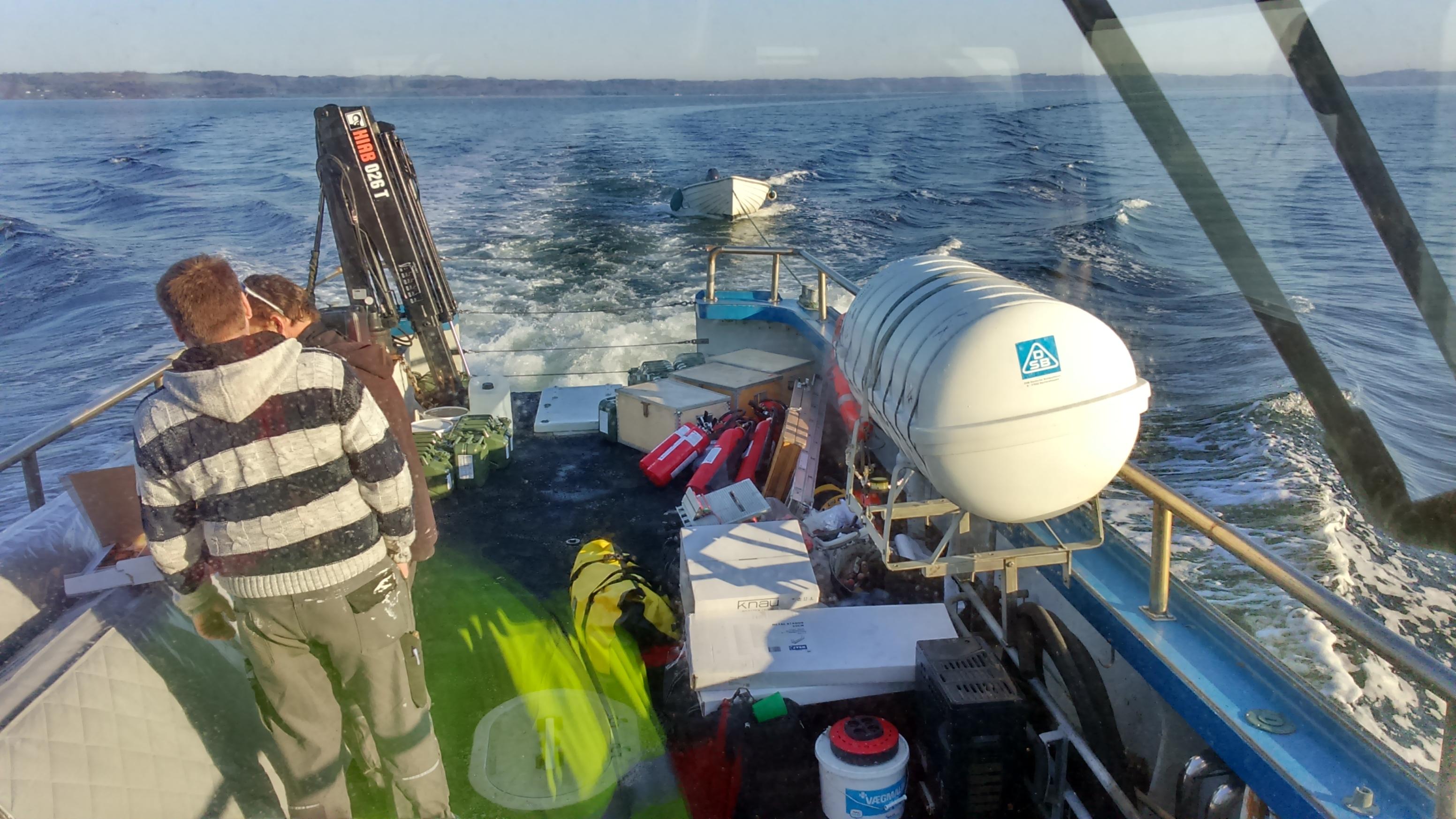 Sejlads til øen Hjelm