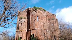 Norchia: the most beautiful Etruscan necropolis in Lazio!