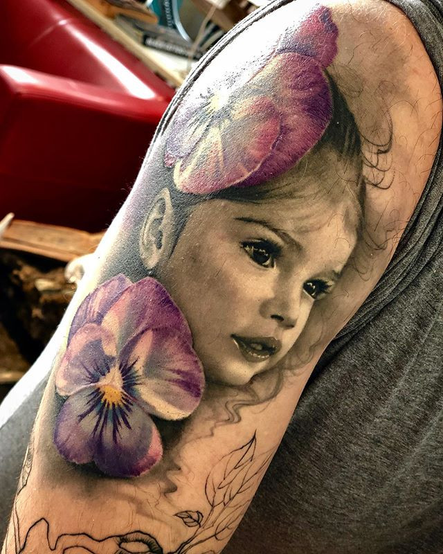 Silvia Princess Art on Skin in progress@