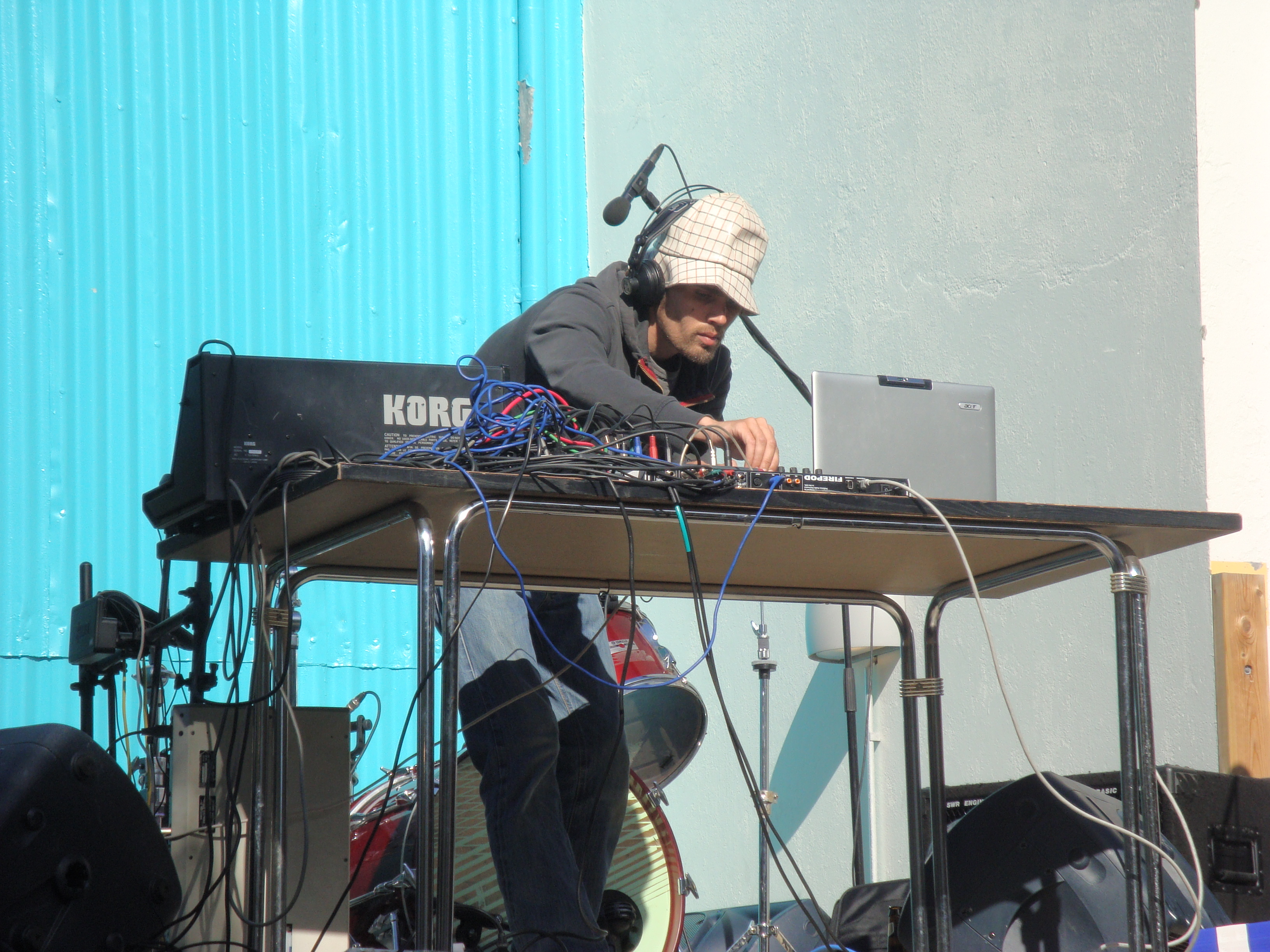Live outdoor performance (electronica), Reykjavik