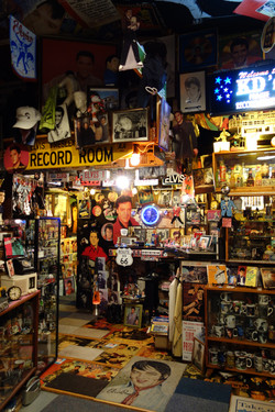 KD's Elvis Presley Museum