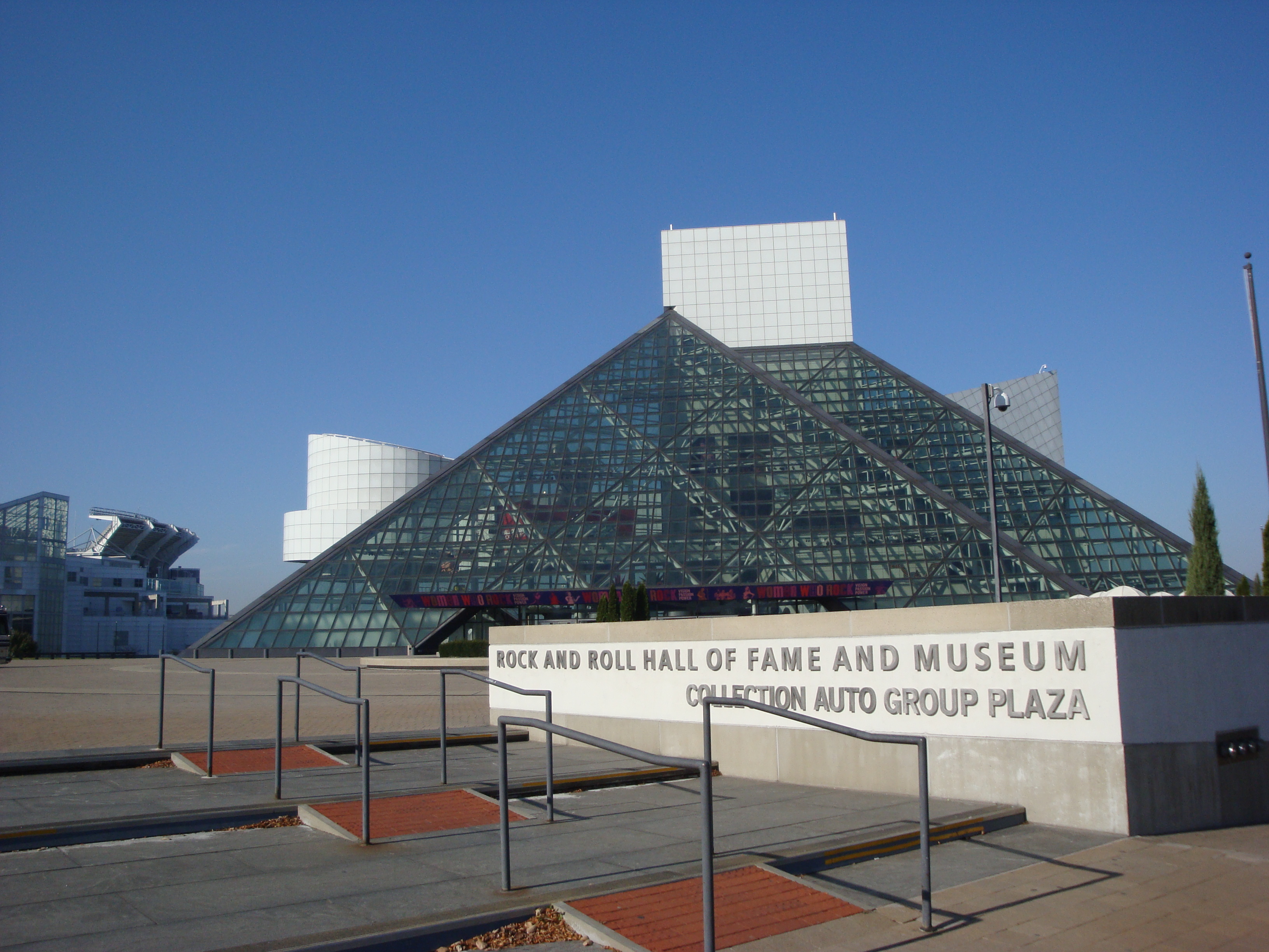 Rock and Roll Hall of Fame and Museum.JP