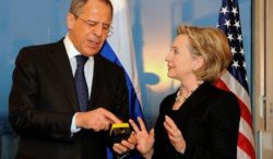 """Hillary Clinton gives the Russian Foreign Minster a """"Reset Button"""""""