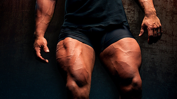 a man with super muscly quadriceps