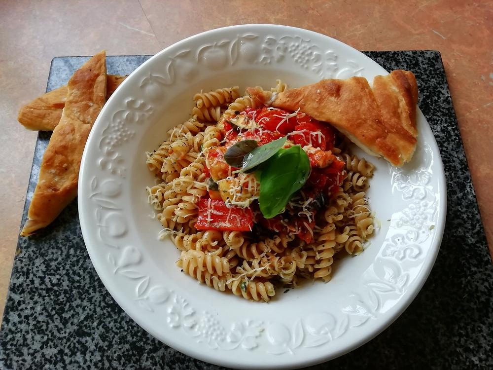 a super healthy vegetarian spaghetti bolognaise