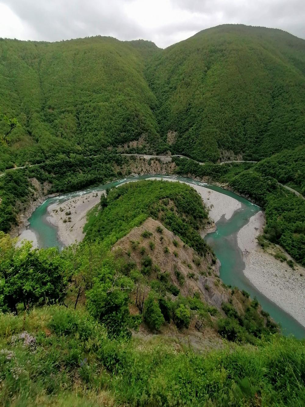 panorama del fiume Trebbia da Brugnello